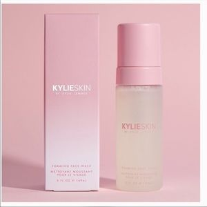 Kylie cosmetics foaming face wash